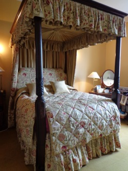 Finished Four Poster Bed Pleated Ceiling